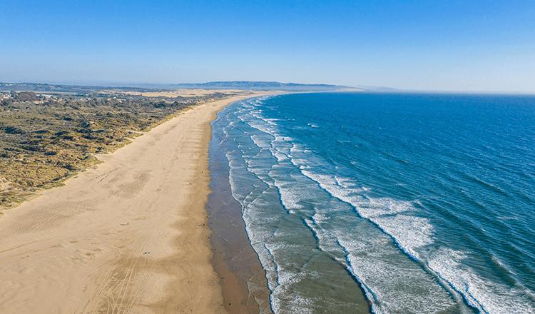 Beach and waves in Grover Beach